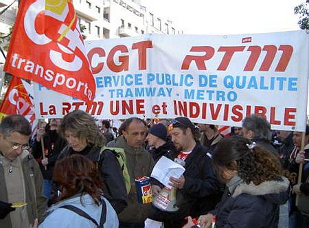 Plus de 25.000 manifestants à Paris pour la défense ... 19_novembre_2005