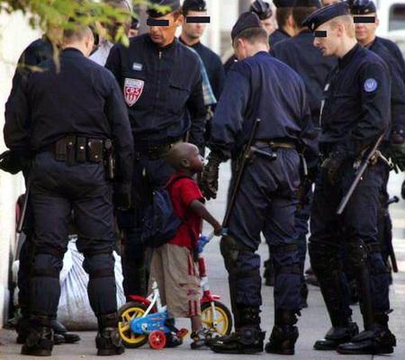 Pays des droits de l'Homme et terre d'accueil Arrestation_1-2