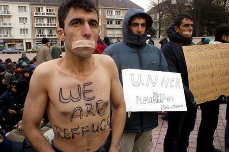 Le quotidien des immigrés à Calais Manif6