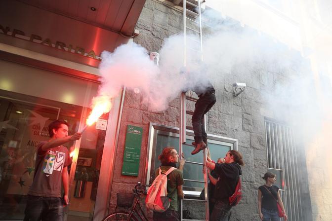bnl_bologna_-_via_rizzoli_-_5_Ottobre_2012-2.jpg