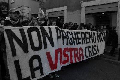http://bellaciao.org/it/IMG/jpg/non_pagheremo_la_vostra_crisi.jpg